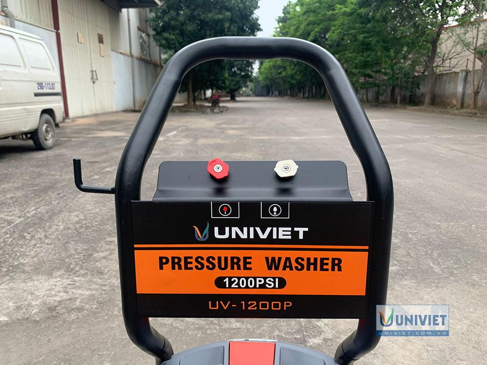 2 đầu béc của máy rửa xe cao áp UniViet UV-1200P