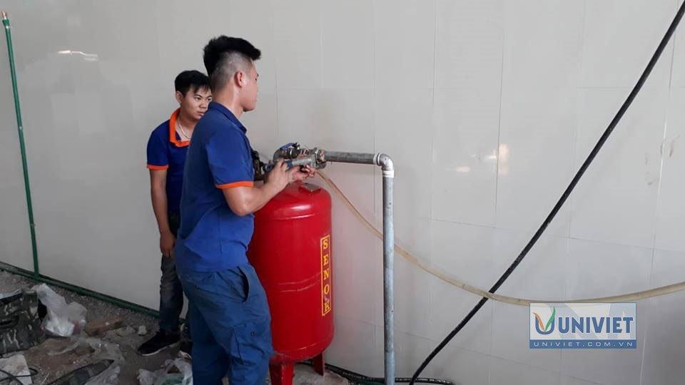 Lắp đặt bình chứa dầu