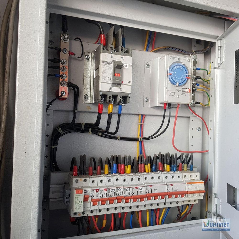 Hệ thống điện trong trạm rửa xe
